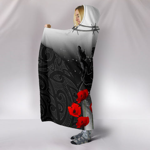 Image of New Zealand Anzac Hooded Blanket - Lest We Forget Poppy A02