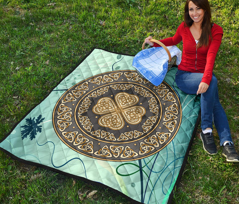 Image of Celtic Shield Premium Quilt A6
