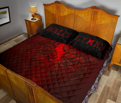 Image of Wales Quilt Bed Set, Welsh Dragon Lava | Home Decor | Love The World