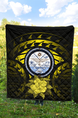Marshall Islands Hibiscus Premium Quilt (Yellow) A02