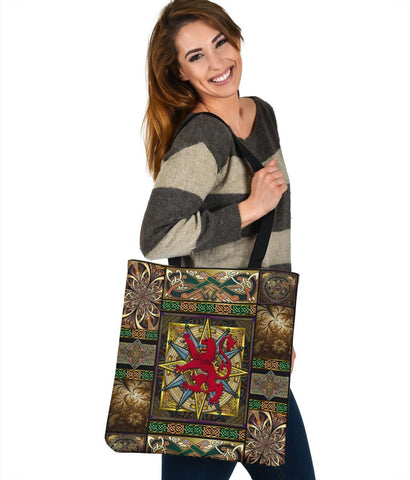 Scotland Tote Bags - Scotland Lion With Celtic Compass