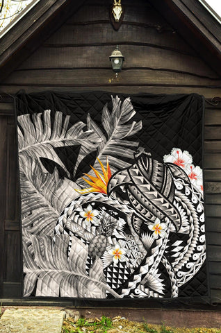 Image of Kanaka Maoli (Hawaiian) Premium Quilt, Polynesian Pineapple Banana Leaves Turtle Tattoo Gray