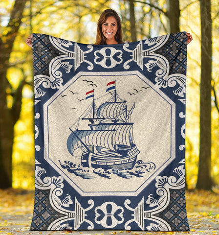 Image of Netherland Premium Blanket - Dutch Boat Delft Blue A18