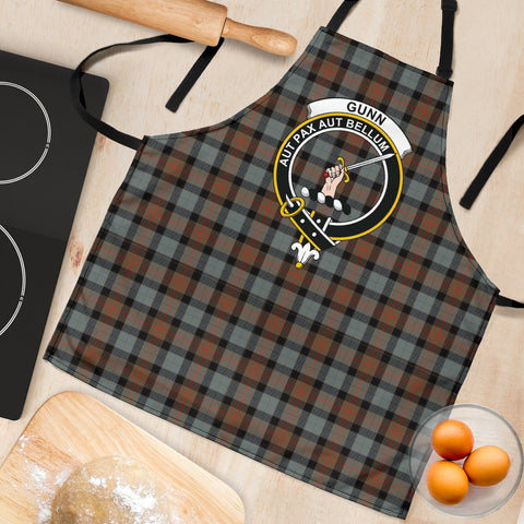 Image of Gunn Weathered Tartan Clan Crest Apron HJ4