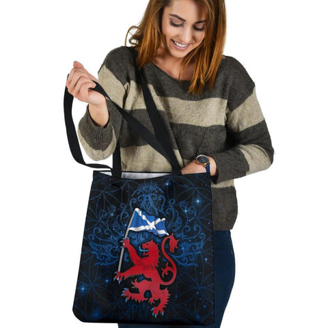 Scotland Celtic Tote Bags - Lion Rampant With Scotland Flag