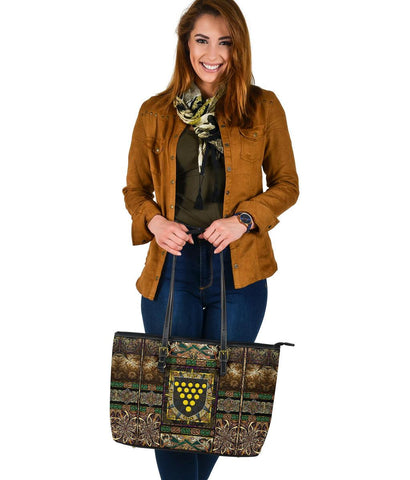 Cornwall Leather Tote Bag - Cornwall Coat Of Arms With Celtic Compass