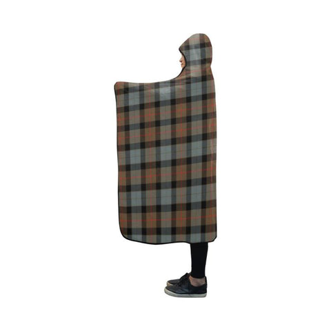 Image of Gunn Weathered Tartan Hooded Blanket - Bn | Love The World