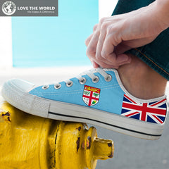 Fiji low top shoes - with flag NN9