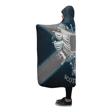Scotland Flag Hooded Blanket 07 - Bn02 One Size / White Coat Of Arms With Vintage Weapons Hooded