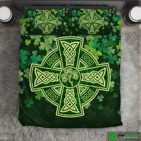 Image of Ireland - Celtic Cross Shamrock Bedding Set | Love The World