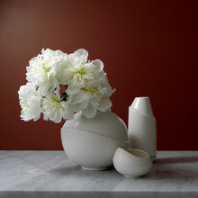 AEO Studio Pen Large Vase - White Matte