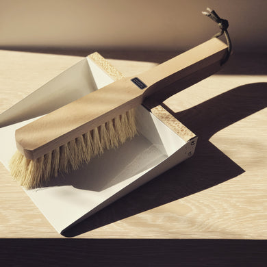 Dustpan + Brush - The Method