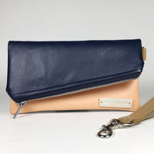 Gigi Mini - Navy & Peach
