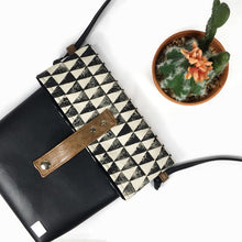 Maya Cross body bag - Triangle Print