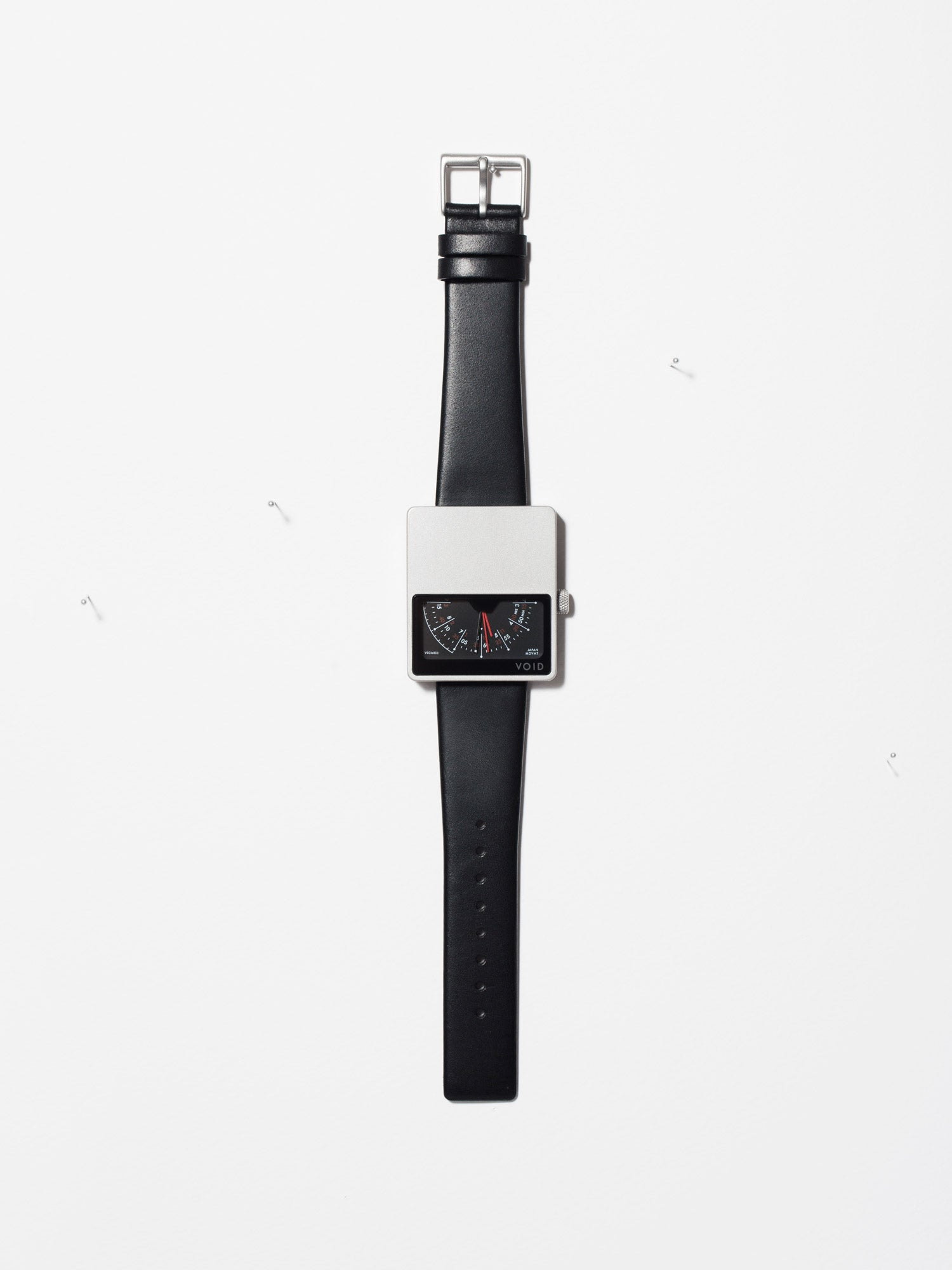 The iconic square horizon V02MKII watch by Swedish Designer David Ericsson. V02MKII-SI/BL.