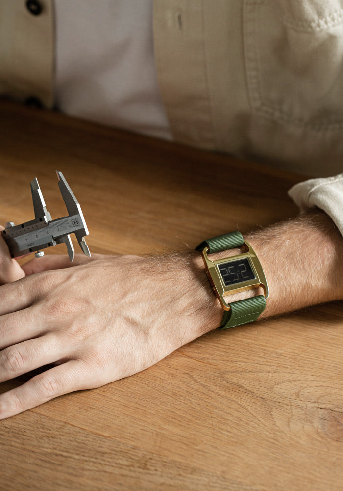 The PXR5-GO/OL from VOID Watches, designed by British Designer Michael Young.