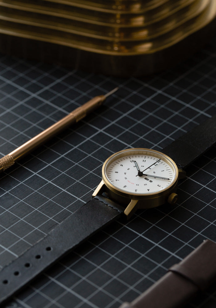 The Limited Edition V03W-365 Set by VOID Watches includes a spare strap and a changing tool.