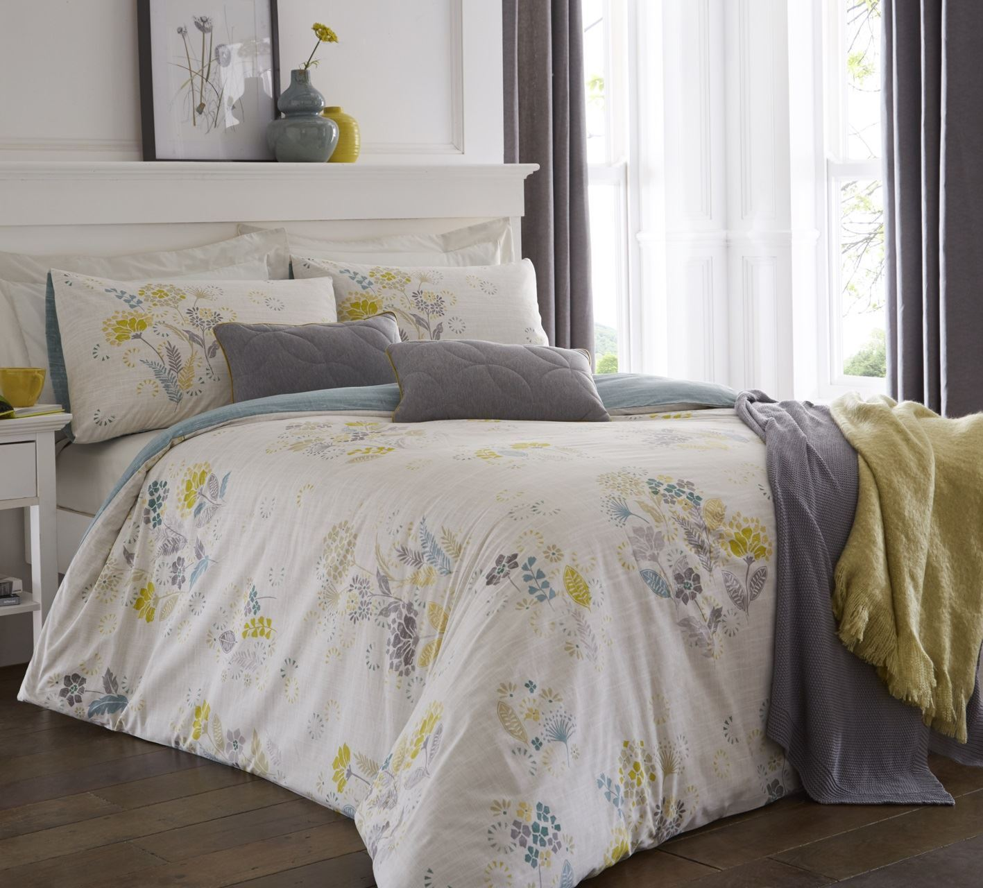 Dreams and Drapes Olanda lime| Easy Care Duvet Cover