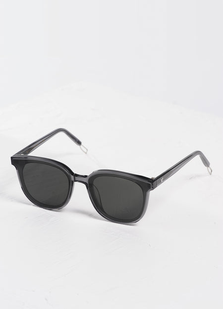 RESORT SUNGLASSES