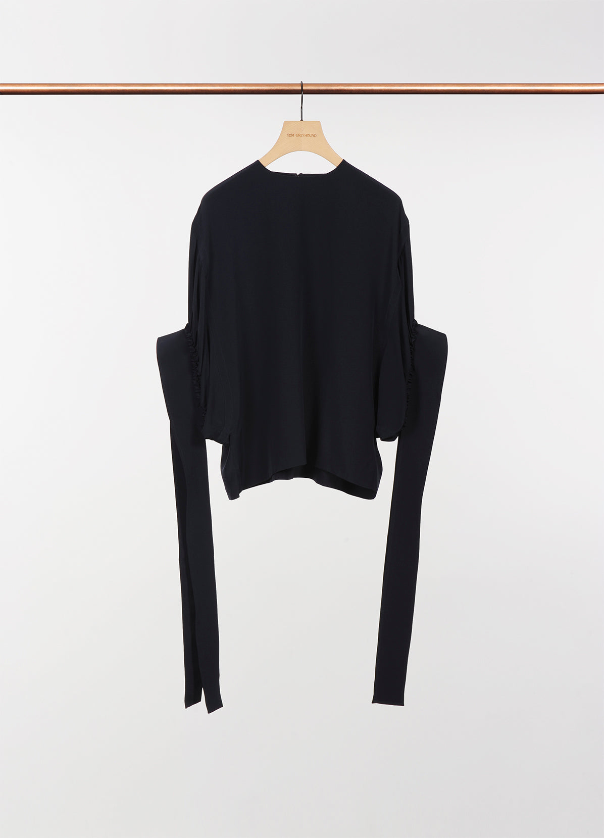 EXAGGERATED SLEEVE TOP