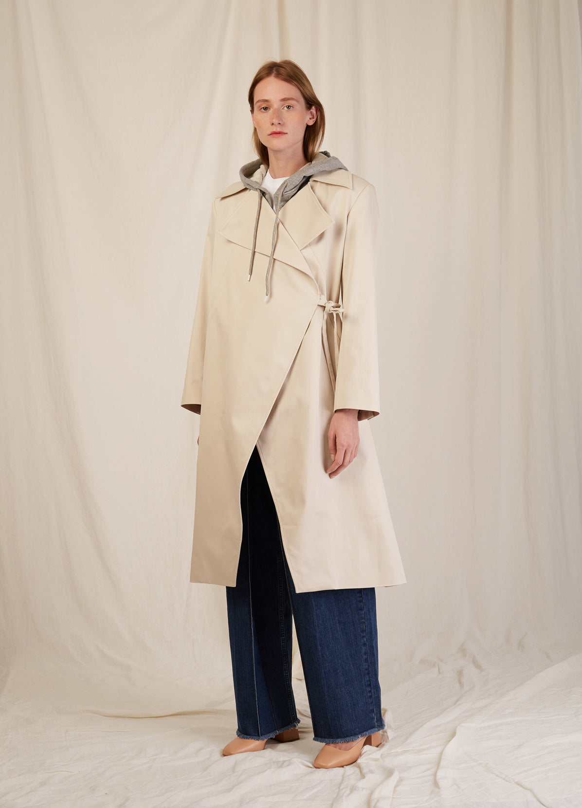 TRENCHCOAT WITH HOOD