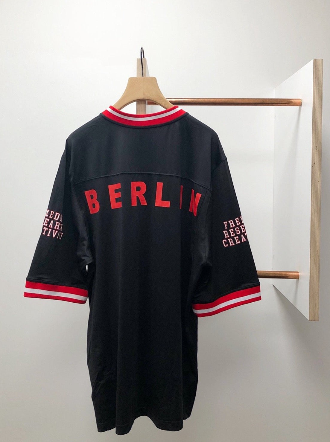 FOOTBALL JERSEY WITH PUFF PRINT