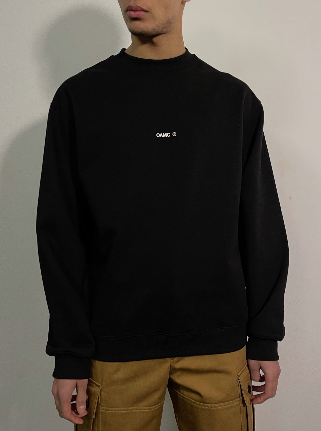 COLLAGE CREWNECK