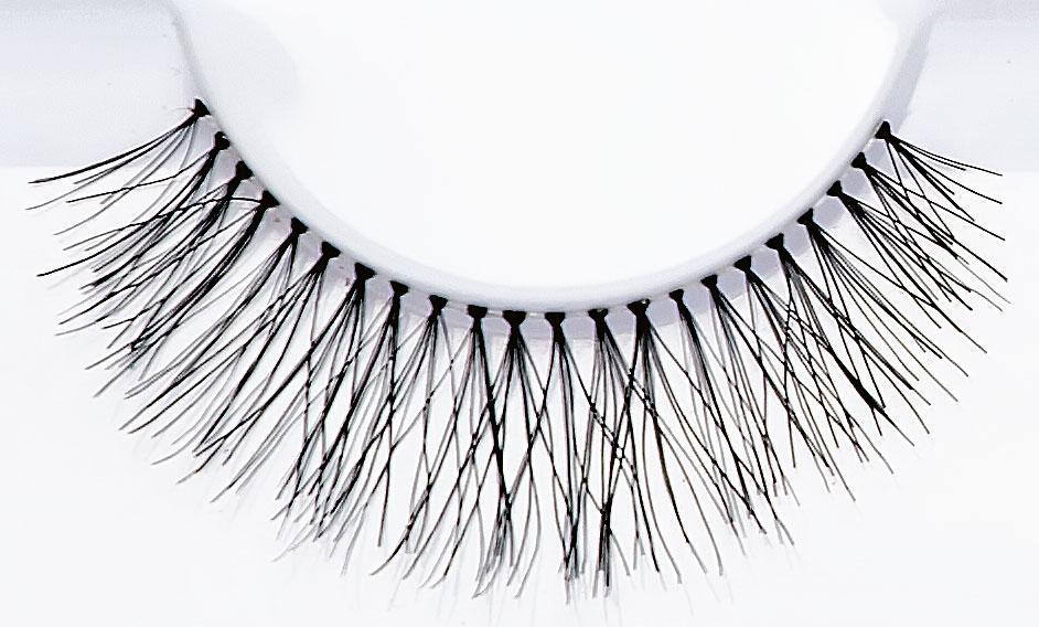 Lydia Lashes - Crownbrush