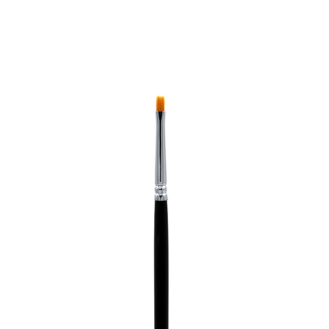 C141 Small Chisel Blush Brush