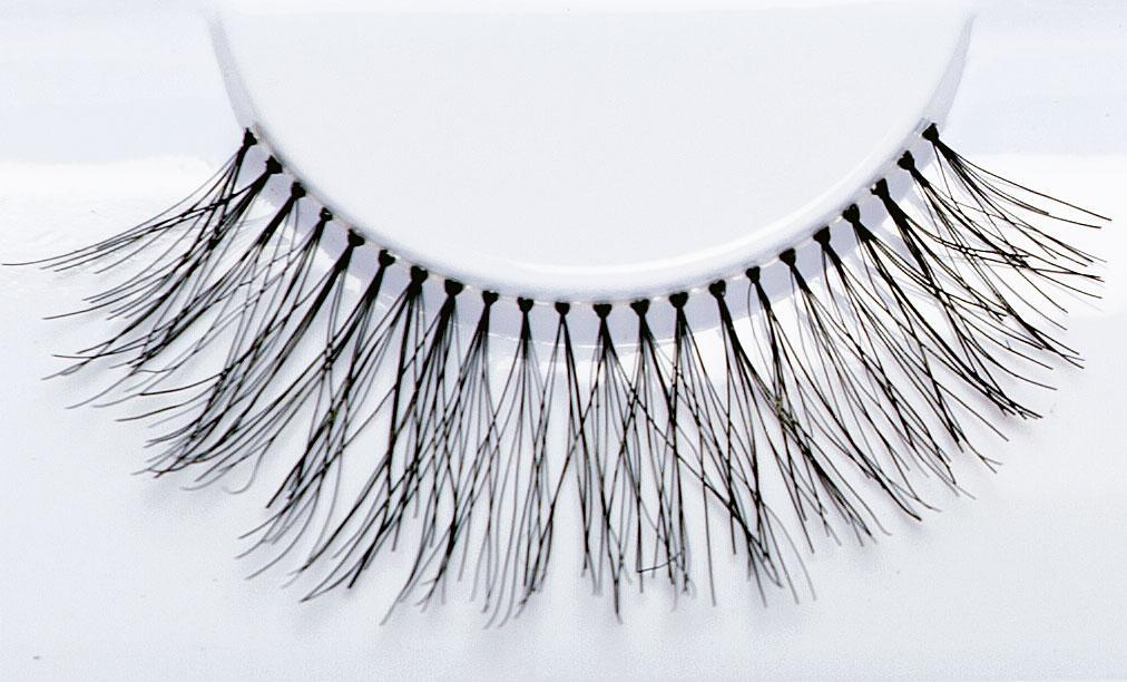 Demi Lashes - Crownbrush