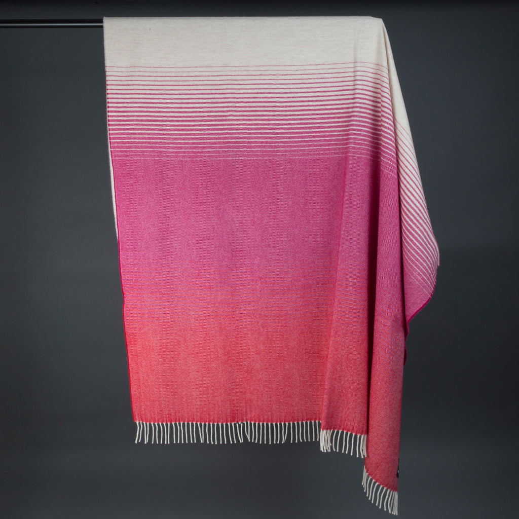 Wonderfully soft Merino Lambswool Throw -  White & Fuchsia