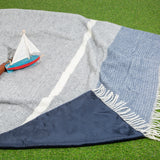 Waterproof picnic blanket - Blue | Plaid de pique-nique imperméable - Bleu