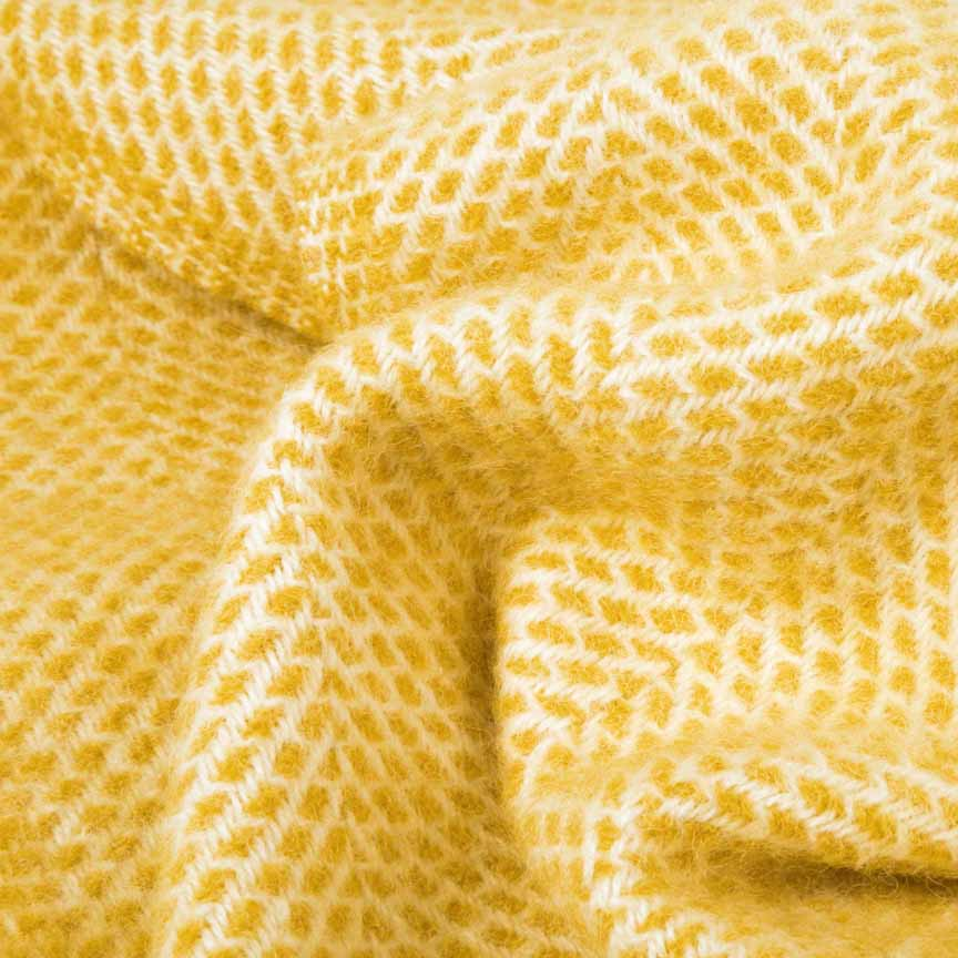 Evening Tales - Pure New Wool Blanket - Fluffy - Yellow