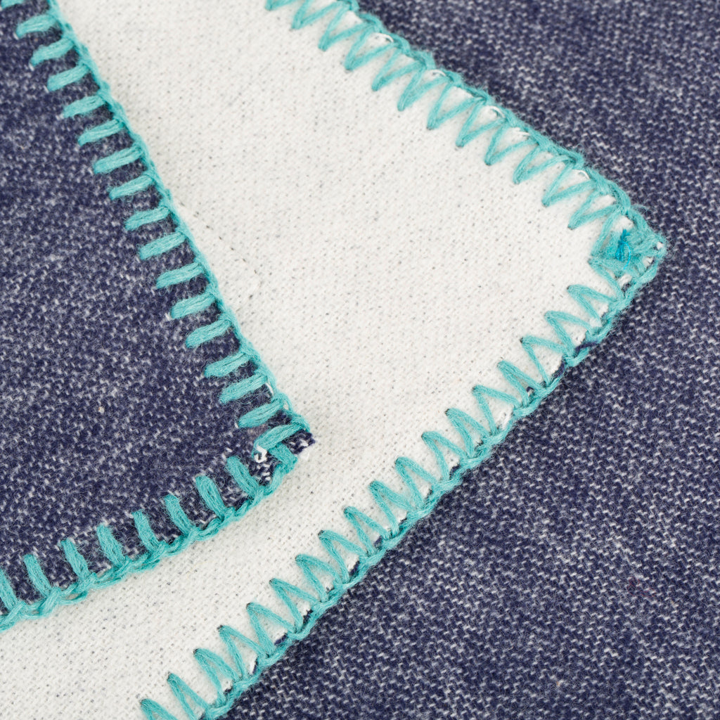Reversible Throw - Navy, Cream & Turquoise | Couverture réversible - Marine, Crème & Turquoise