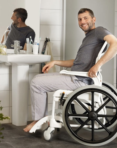 Benefits of a Reclining Fold Up Wheelchair