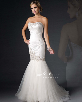 CLEARANCE WEDDING DRESS £250 (IVORY UK 10) - Milano Formals AA9292