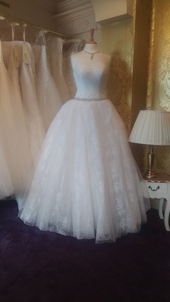 CLEARANCE WEDDING DRESS £250 (IVORY UK 10) - Wedding Dress Angel Forever ANGELB680
