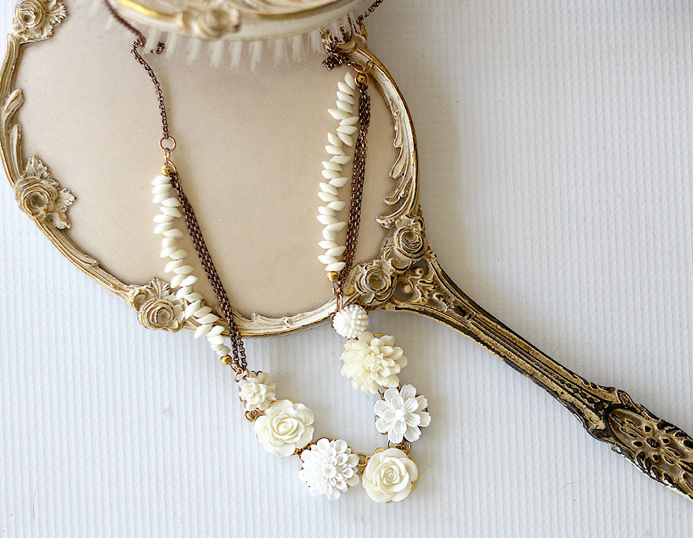 Floral necklace mixed creams 3
