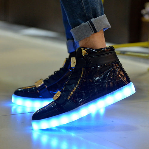 Hot Sale Men 8 Colors High Top LED Shoes for Adults White Black Glowing Light Up Flat Shoes Luminous Recharging