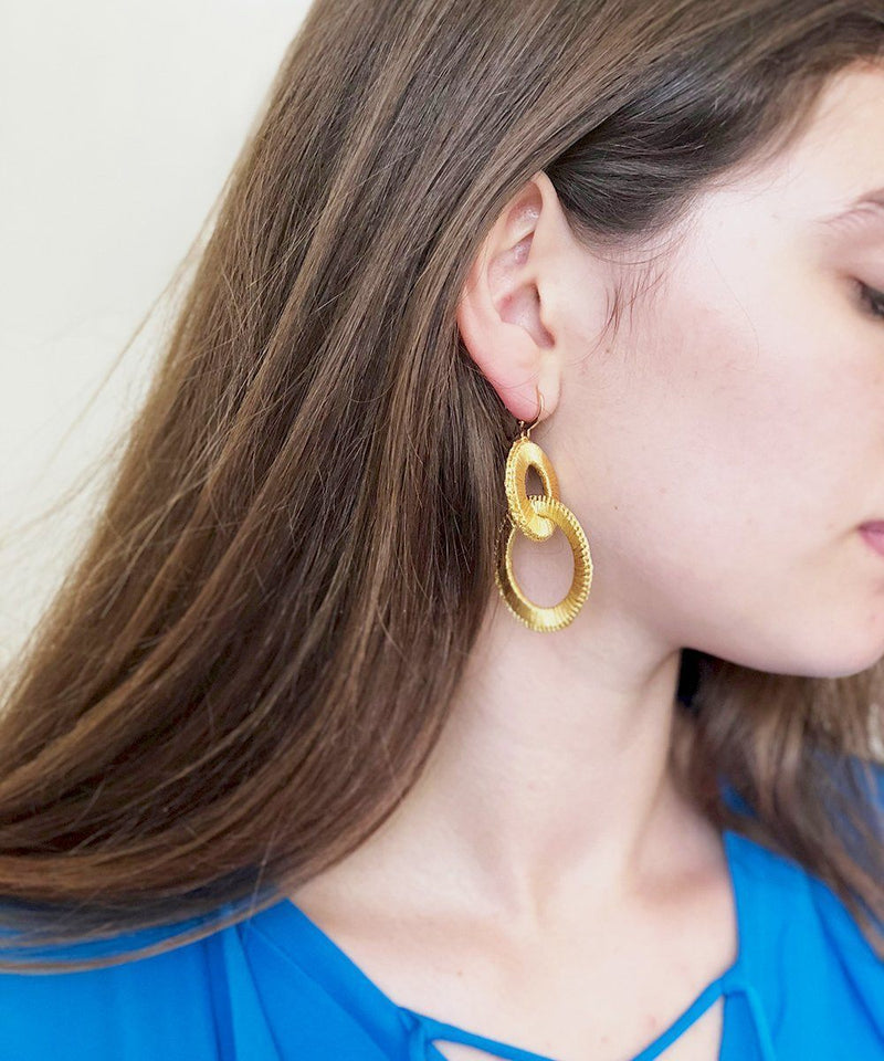 Plume S earrings gold Boks & baum