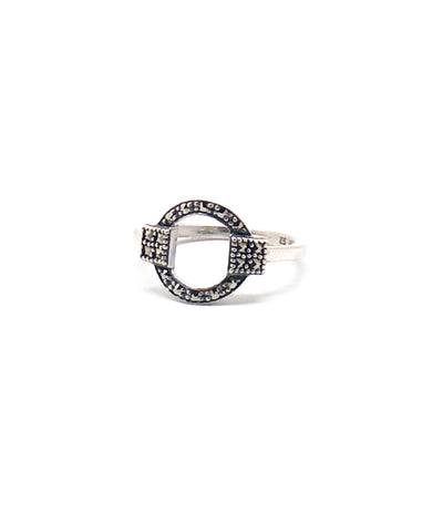 Circle art deco ring in silver and marcasites