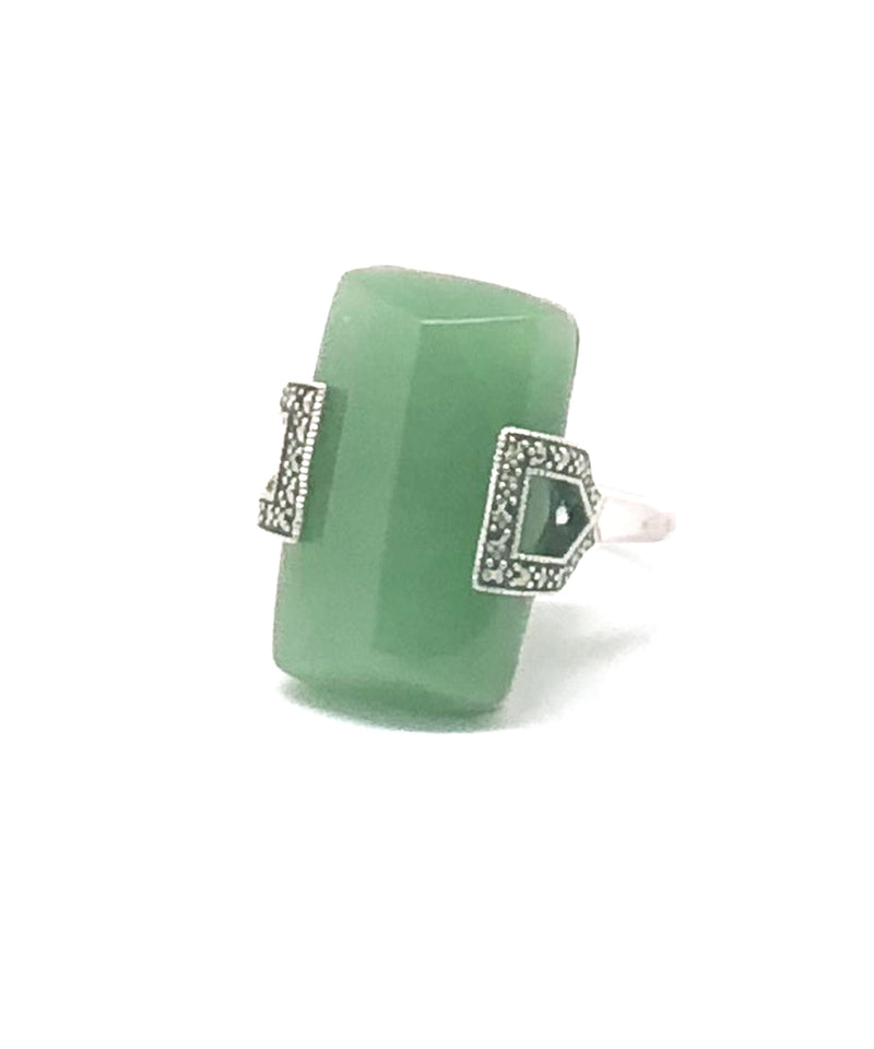 Art deco ring in jade, marcasites and silver