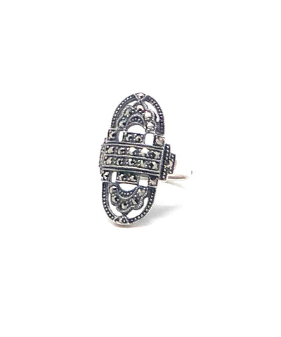 Oval art deco ring in marcasites and silver
