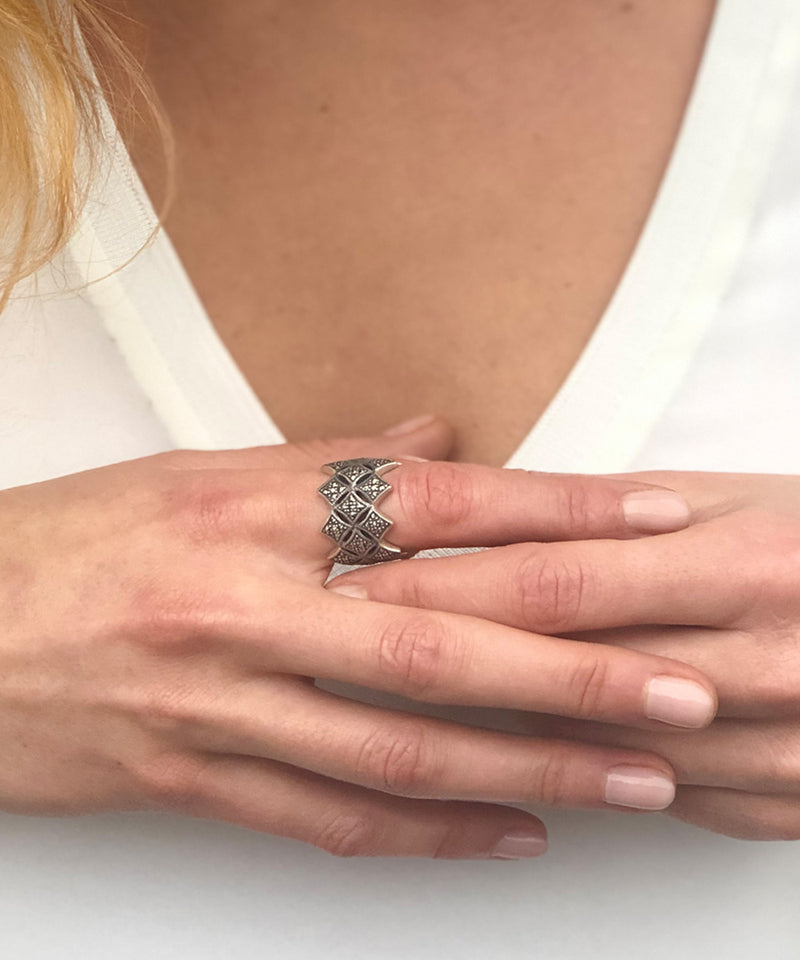 Art deco ring Crown in silver and marcasites