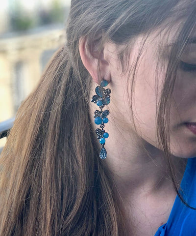 Earrings blue clusters Editions LESSisRARE Jewelry worn