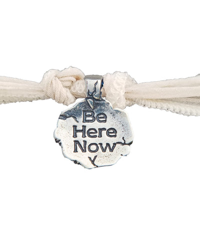 Be Here Now charm bracelet in silver - Catherine Michiels