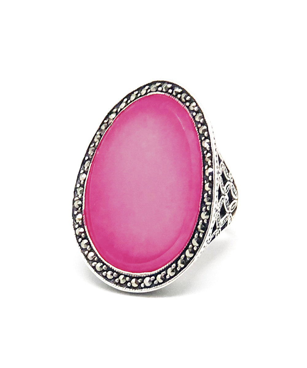 Large cabochon ring in dark pink jade, silver and art deco marcasites