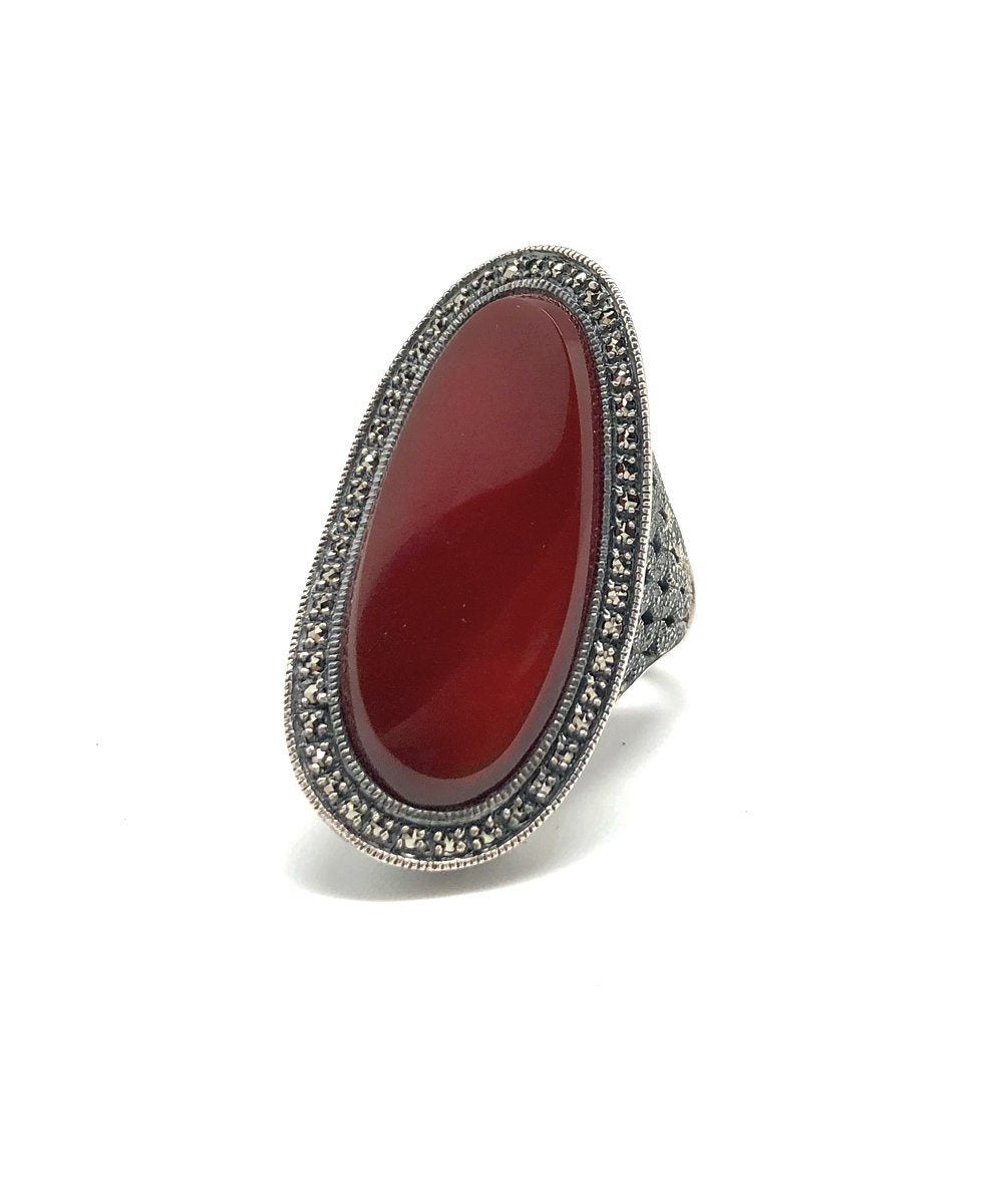 Long carnelian art deco ring, silver and marcasite