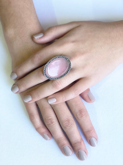 Large cabochon ring in pink jade, silver and marcasites art deco scope