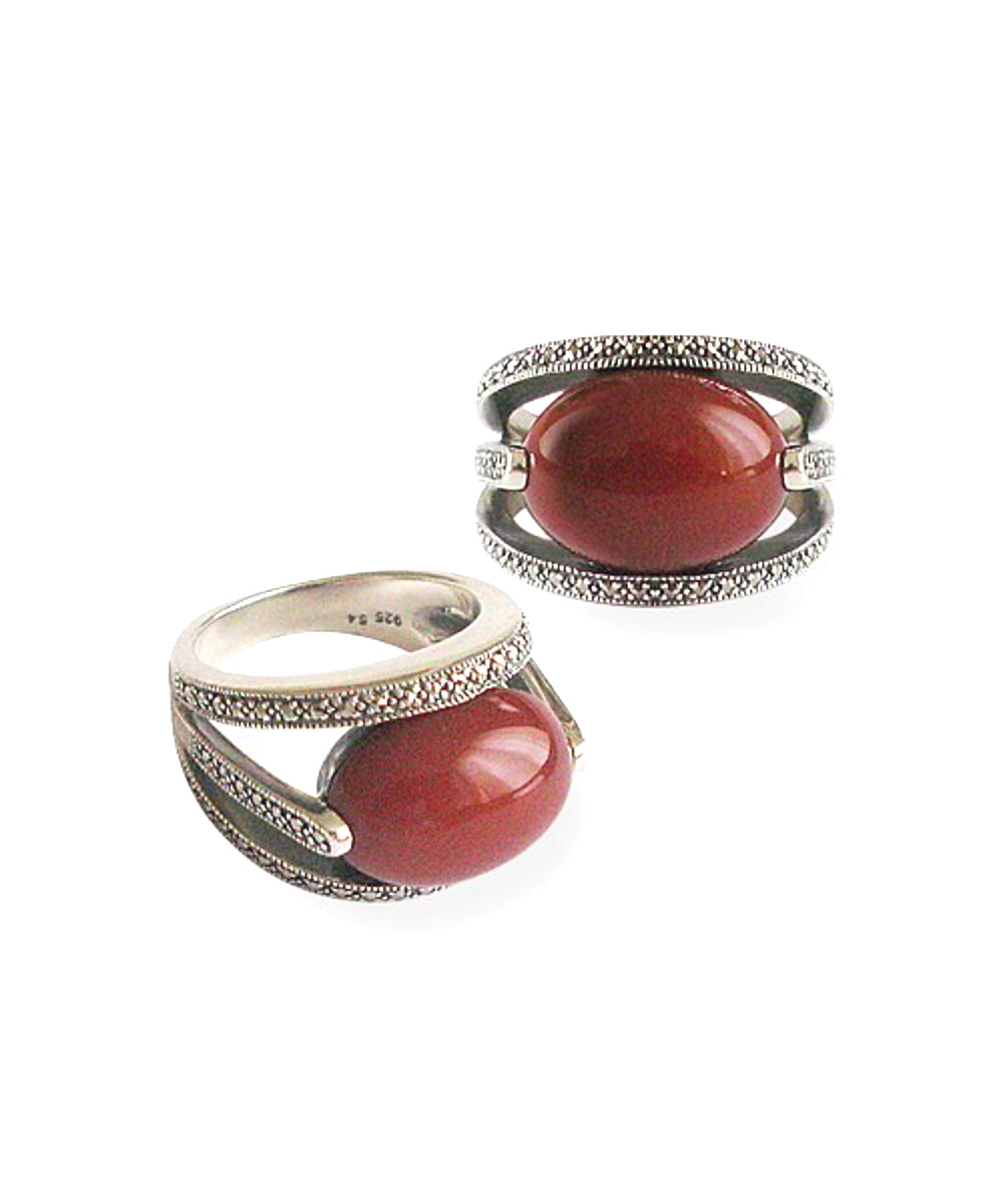 Oval art deco carnelian ring in silver 925 and marcasites